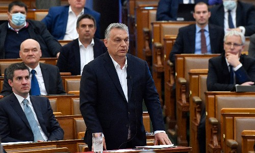 Hungary's emergency law 'incompatible with being in EU', say MEPs group