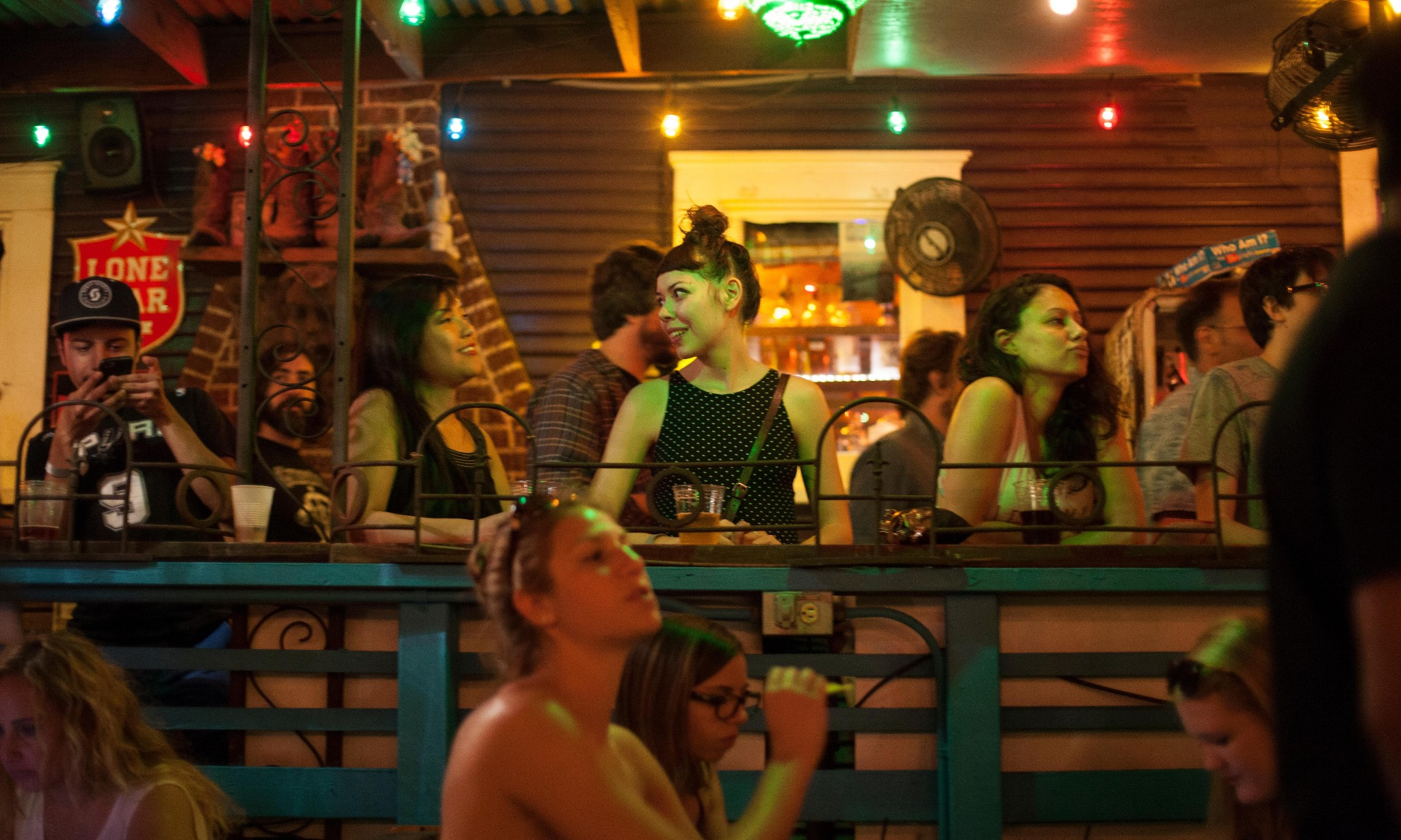 Google will now tell you whether a bar or shop is busy in real-time