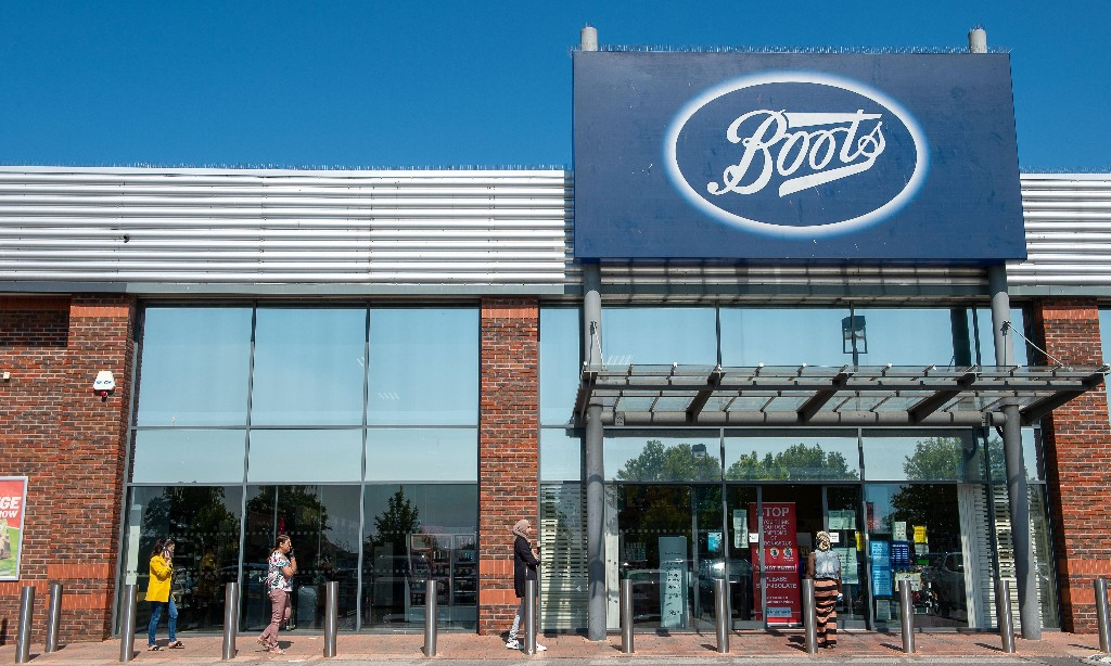 10-week wait on glasses for 12,000 Boots customers