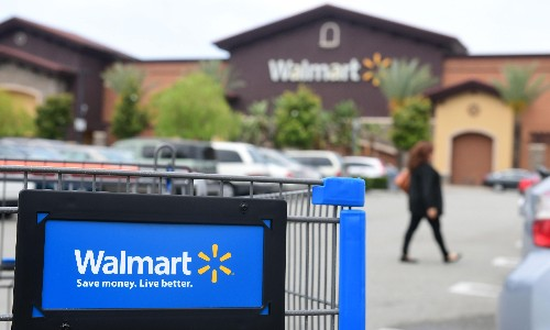 Walmart offers Thanksgiving workers measly discount in place of holiday pay