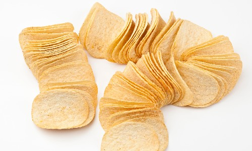 Stop, you can't pop: prosecco Pringles seized in Italy
