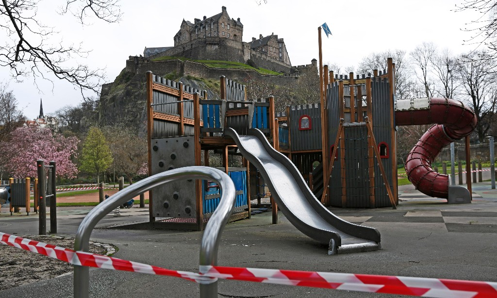 Parents report more anxiety in lockdown, Scottish poll finds