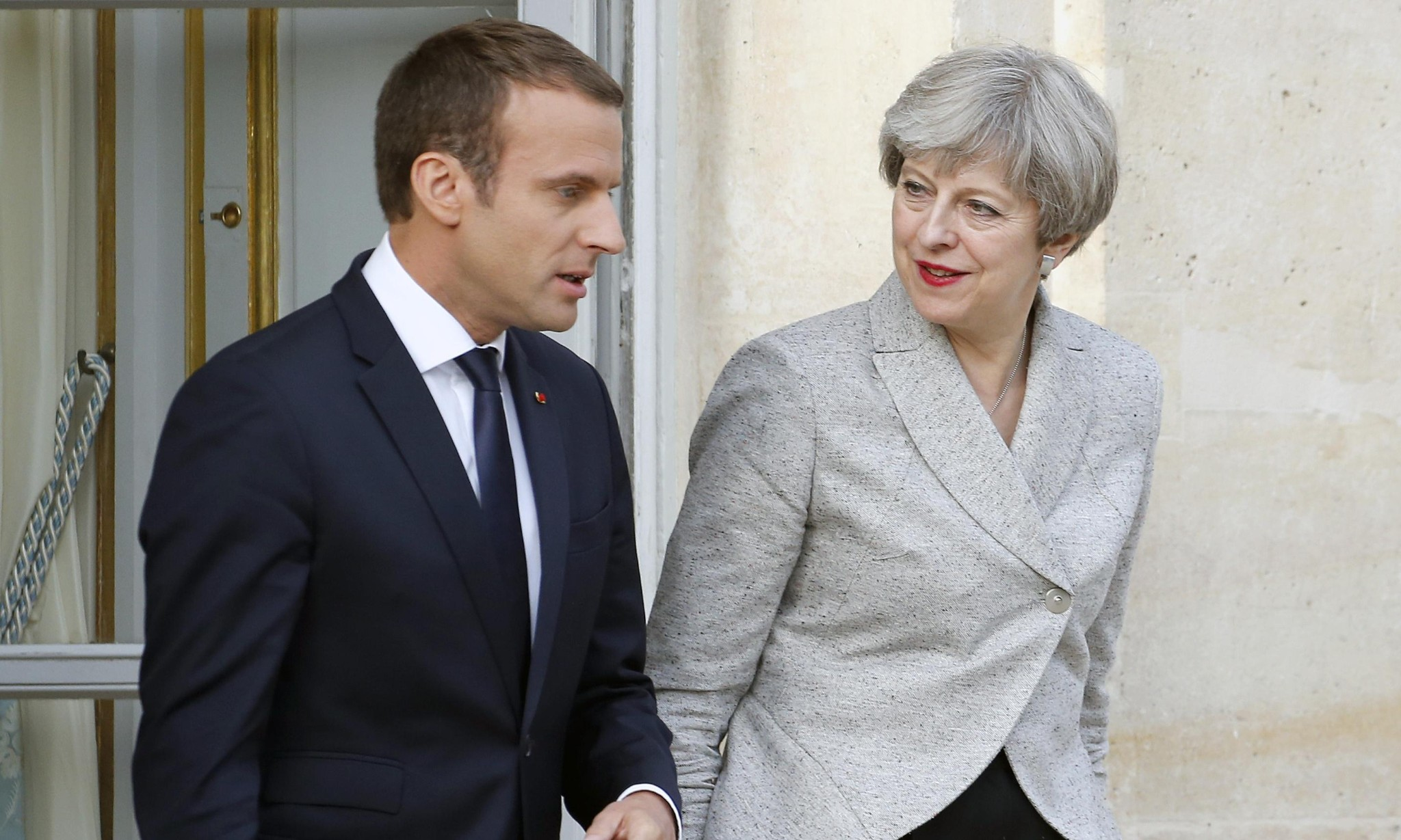 Theresa May to appeal to Macron over Brexit transition period