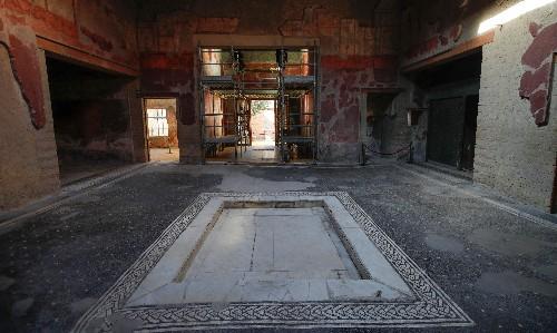 'Extraordinary' Roman villa reopened to public in Herculaneum