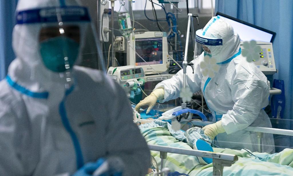 Coronavirus outbreak: doctor in Wuhan hospital dies as army medics flown in