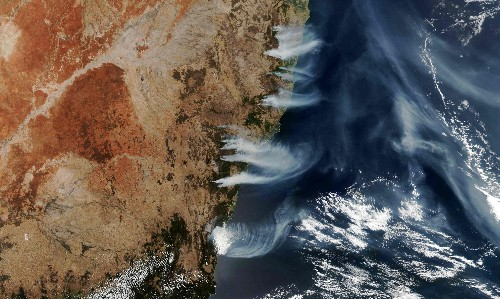 Australia's bushfires have emitted 250m tonnes of CO2, almost half of country's annual emissions