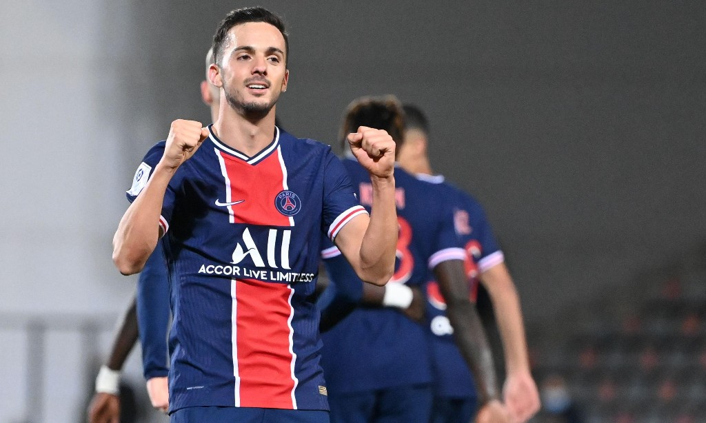 PSG show off the power of their squad before Manchester United visit