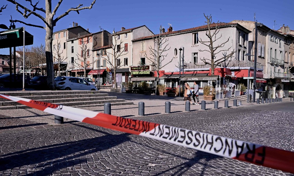 Attacker kills two and injures five in south-east France