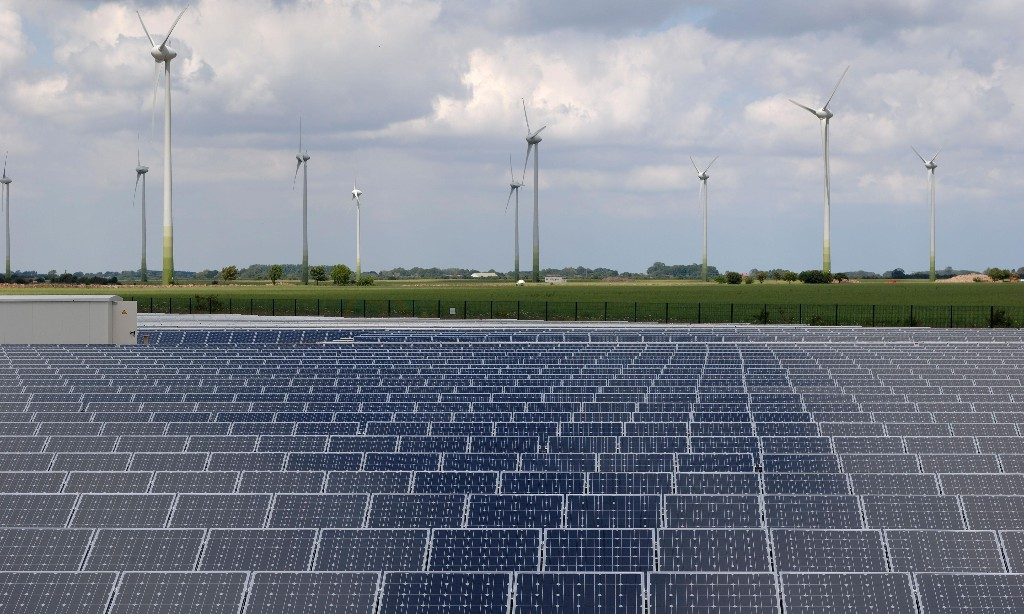 UK electricity coal free for first month ever