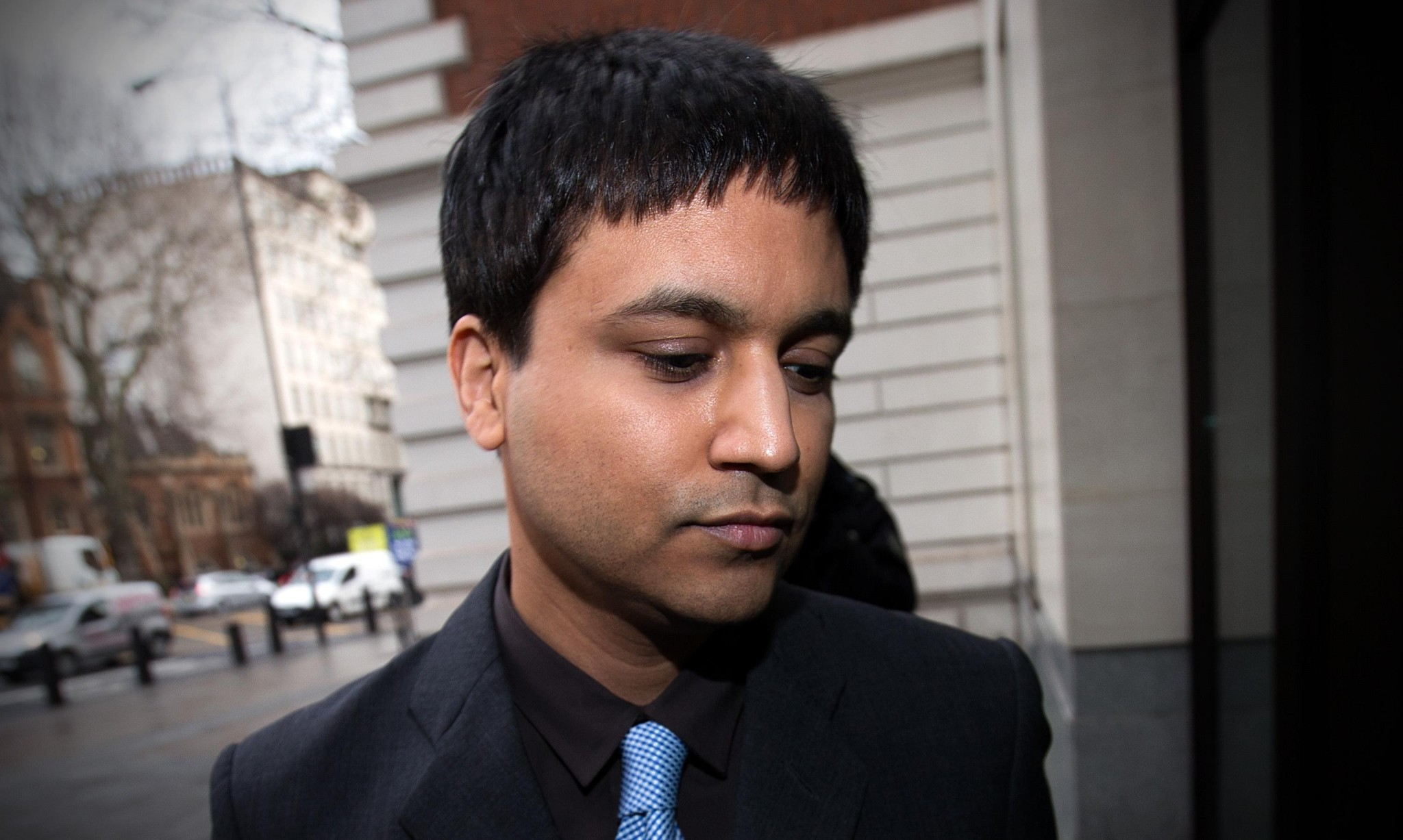 'Flash crash trader' can be extradited to US, judge rules