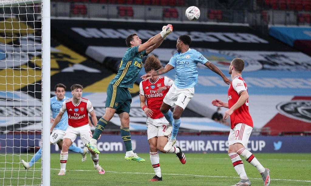 Emiliano Martínez seizes chance at Arsenal to make sacrifices worthwhile