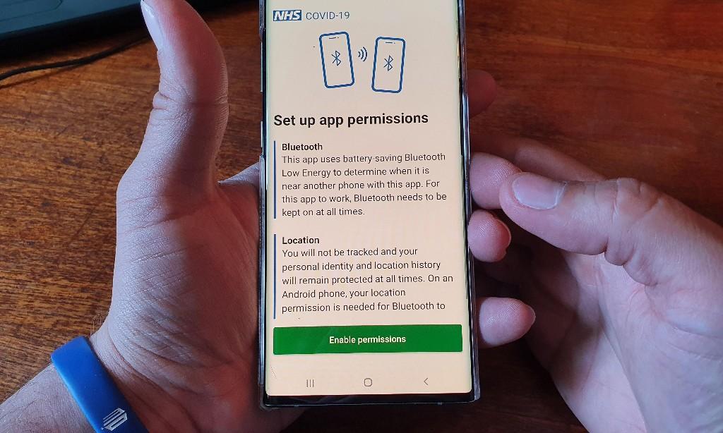 NHS coronavirus advisory board split over ditching government app