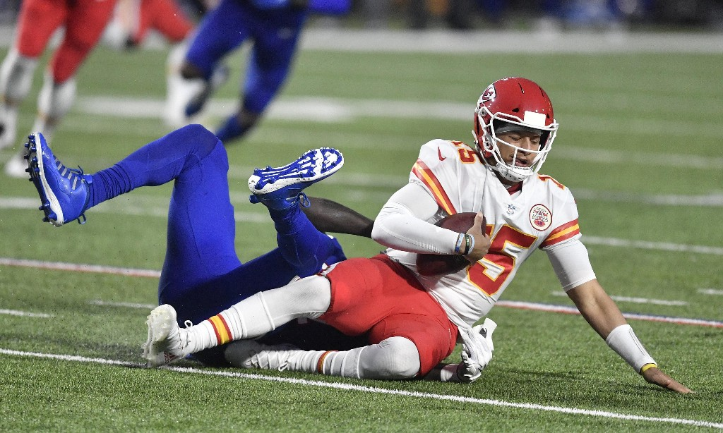 Chiefs run Bills into ground as Mahomes sets yet another NFL record