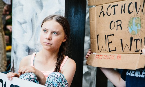 Hundreds of young people join Greta Thunberg in climate protest outside UN