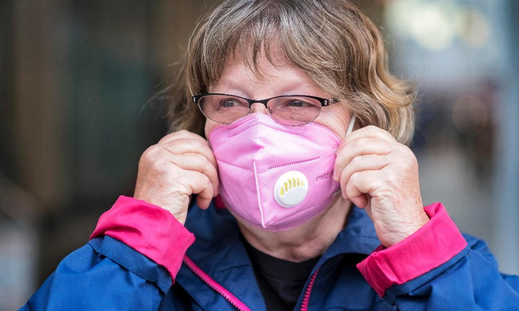 WHO advises public to wear face masks when unable to distance