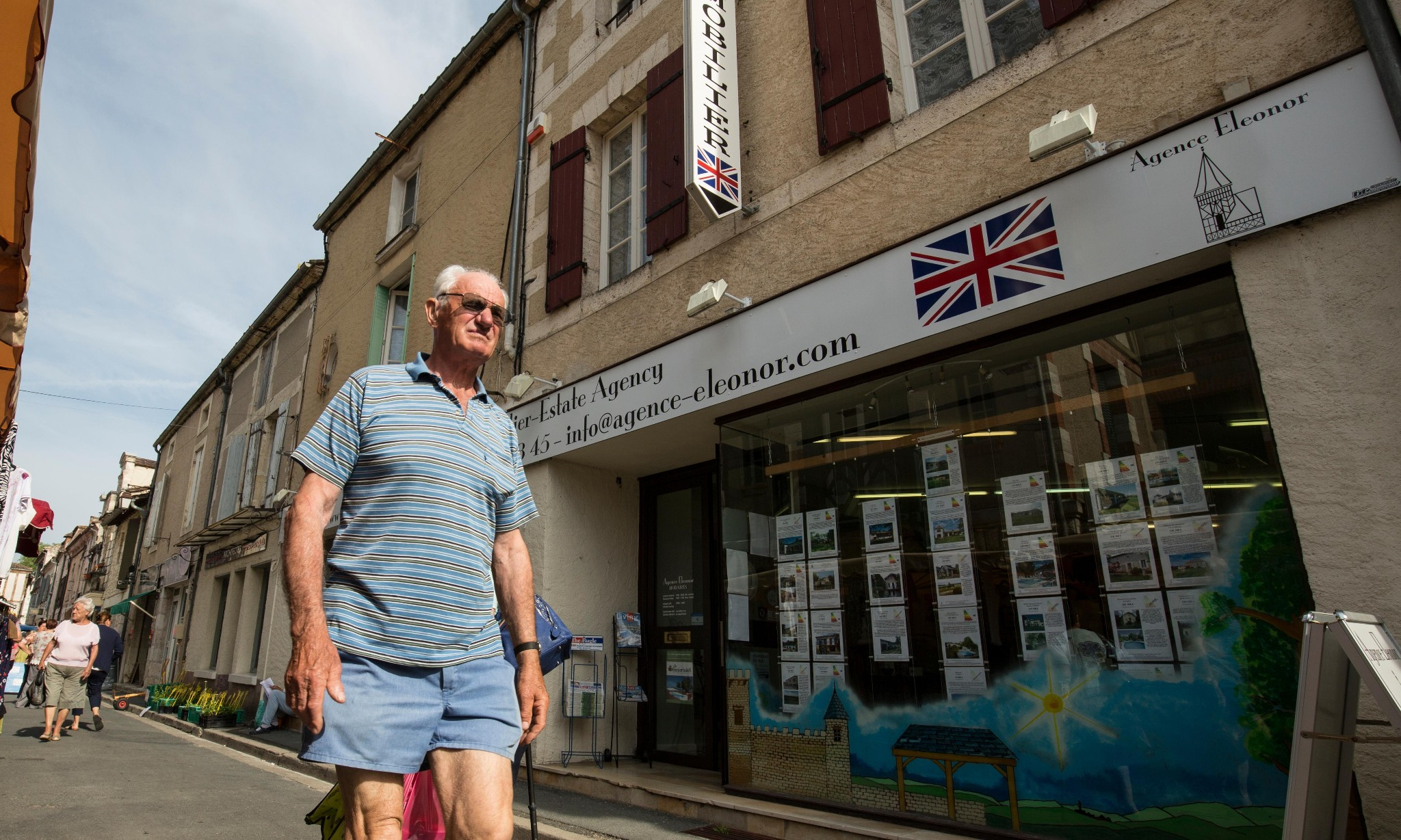 Lost in France: the Britons facing Brexit limbo