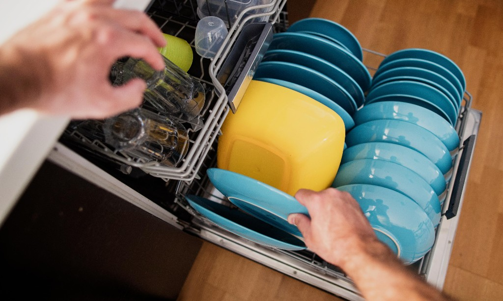 If dishwasher-loading was a sport, my dad would be world champion