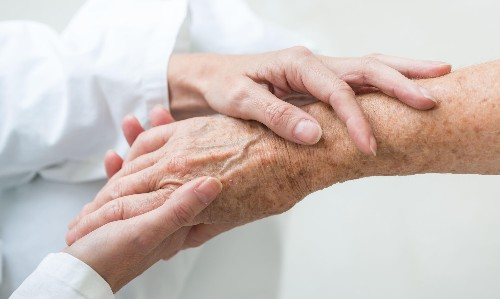 Legalise voluntary euthanasia, Queensland government health panel recommends