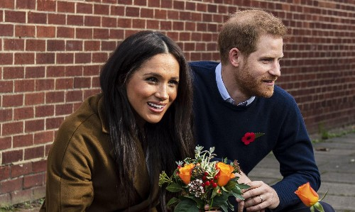 Harry and Meghan's break for the border is a reminder many would like to divorce their family