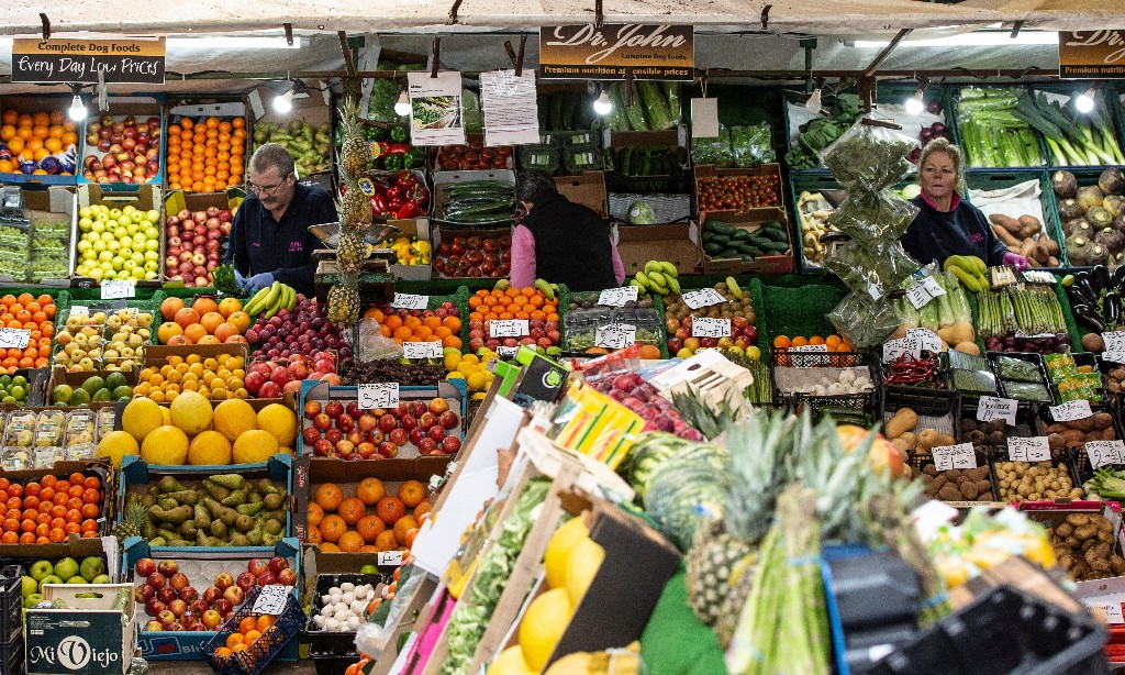 UK increasingly reliant on fruit and veg from climate-hit countries – study