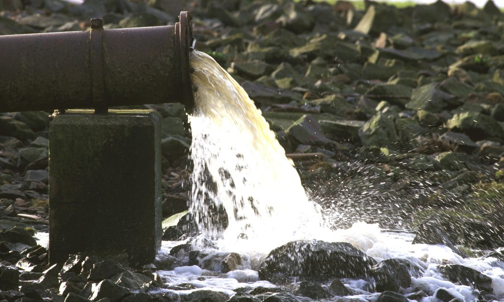 Environment Agency slashes number of water pollution incident visits