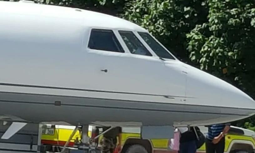 Two dozen asylum seekers flown from Nauru to Australia for medical treatment