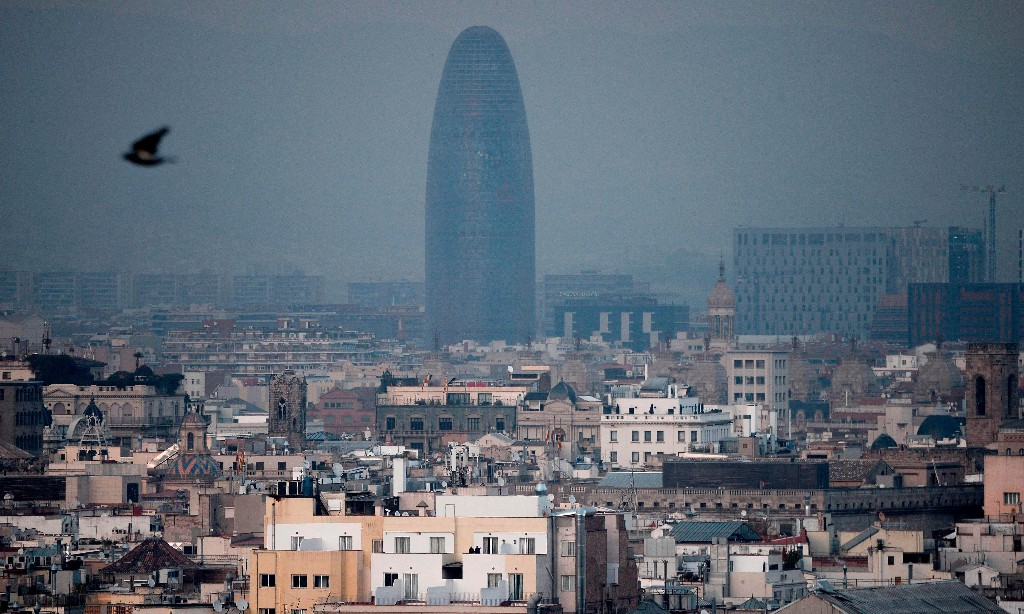 Barcelona launches 10-year plan to reclaim city streets from cars