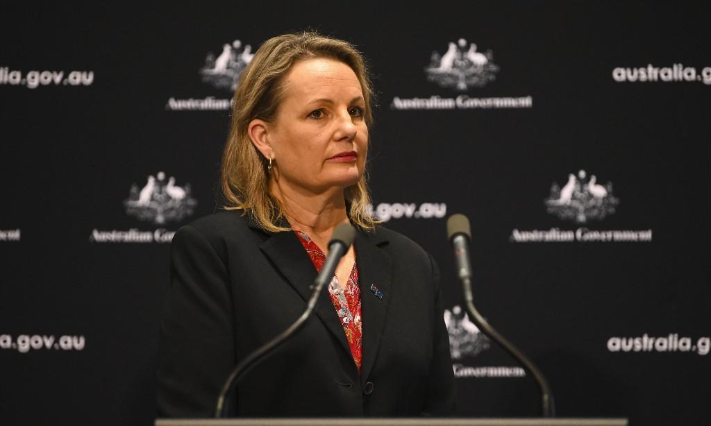 Key crossbench senators say they won't support bid to change Australia's environment laws
