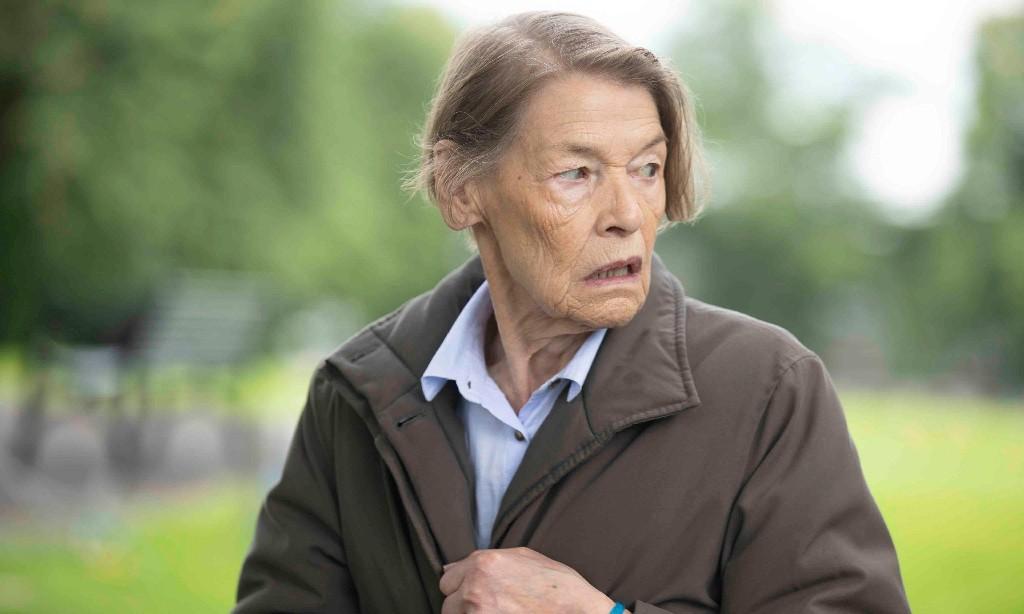 Baftas: writers today still find women boring, says Glenda Jackson