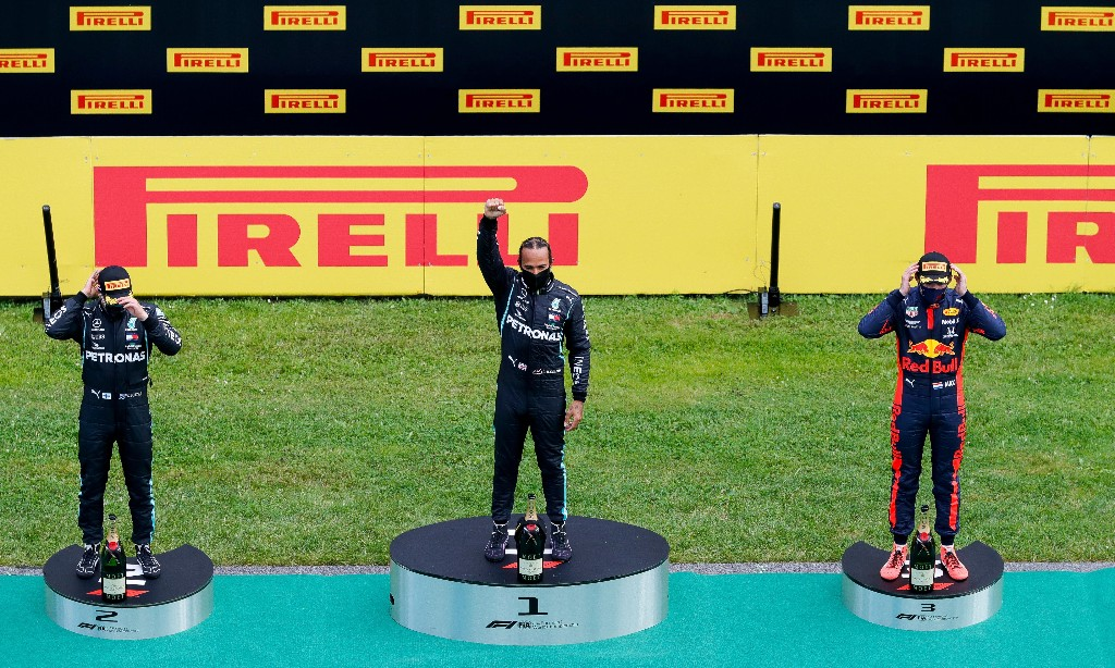 Lewis Hamilton wins Styrian GP from pole after Ferraris collide on first lap