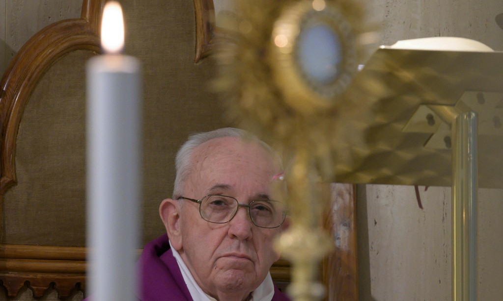 Pope salutes 'saints next door' in fight against coronavirus