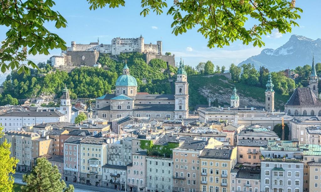 Stay safe for Strauss: Salzburg holds music festival despite coronavirus