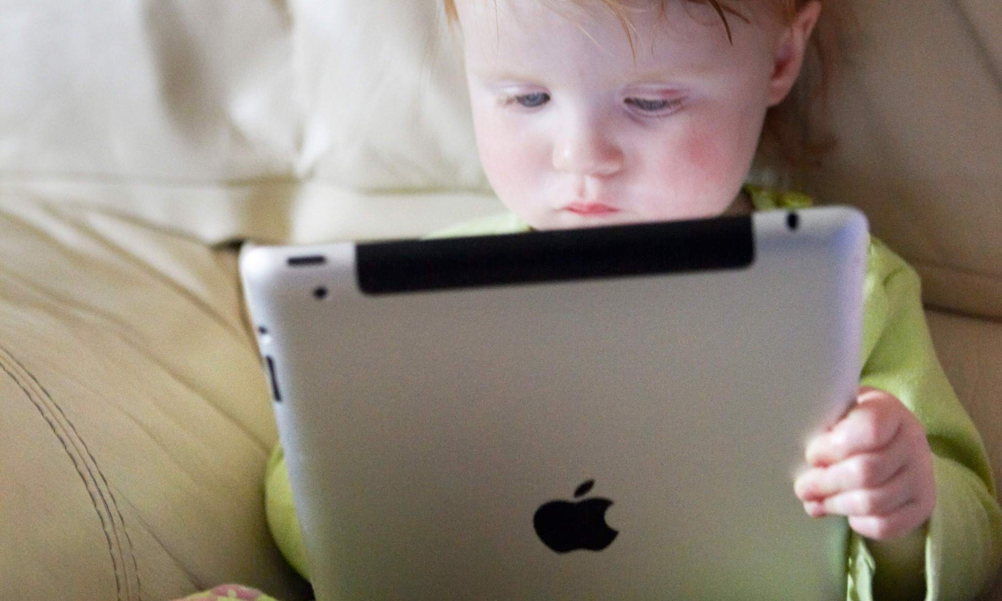 Research says iPads and smartphones may damage toddlers' brains