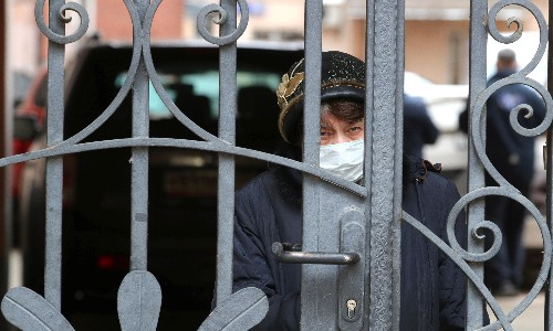 Coronavirus: Moscow and Lagos in lockdown as countries tighten restrictions