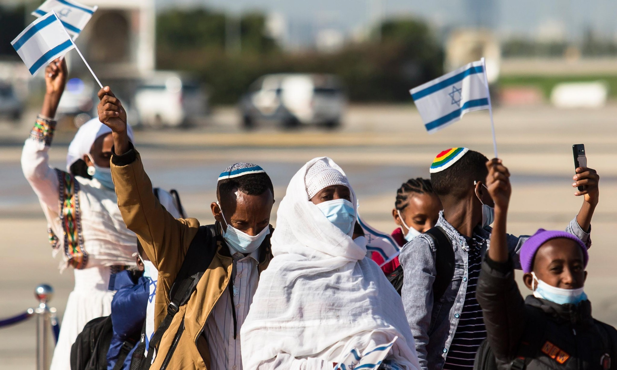 Hundreds of Ethiopian immigrants welcomed in Israel by PM