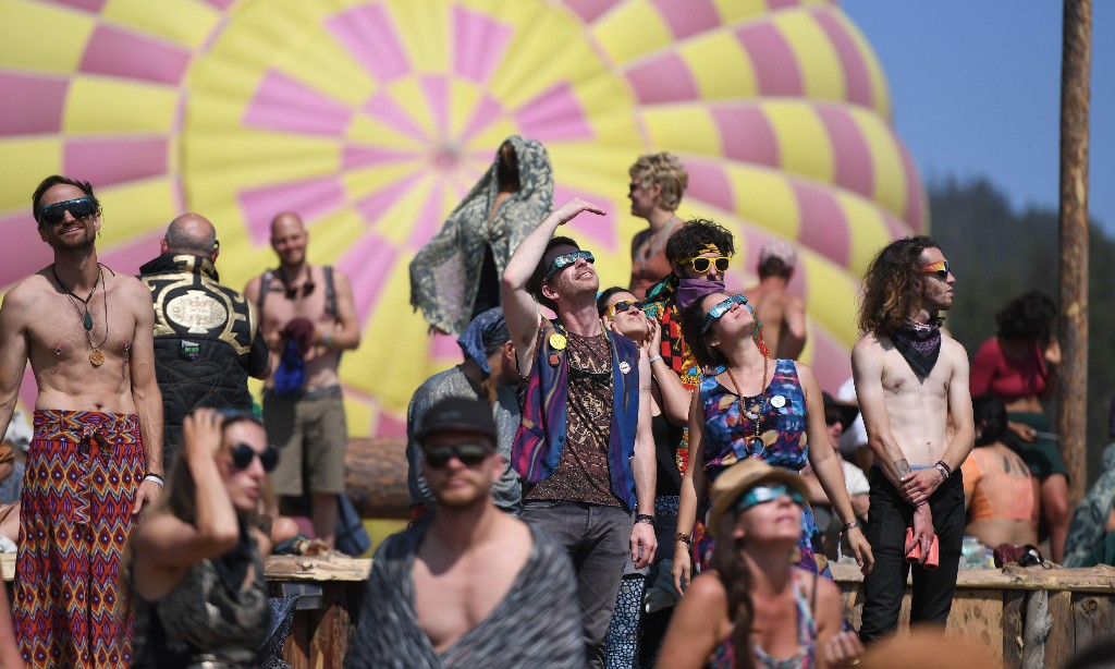 'We are meant to gather': organisers of global dance festival refuse to cancel – or give refunds