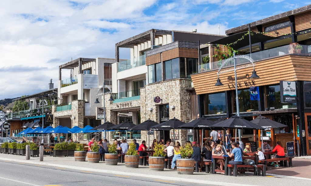 Life after lockdown in New Zealand: a night out in Wanaka