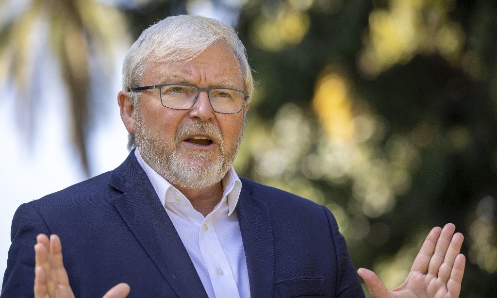 Kevin Rudd demands fair shake of the sauce bottle after Murdoch's 'huge whack'