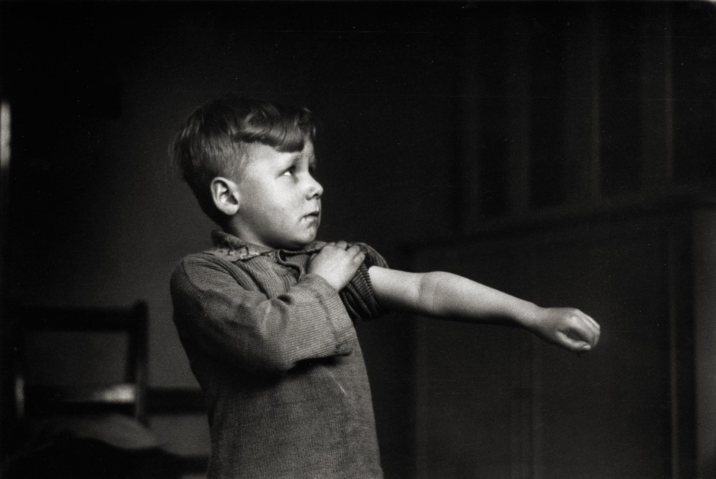Denis Thorpe's best photograph: a brave boy's vaccination