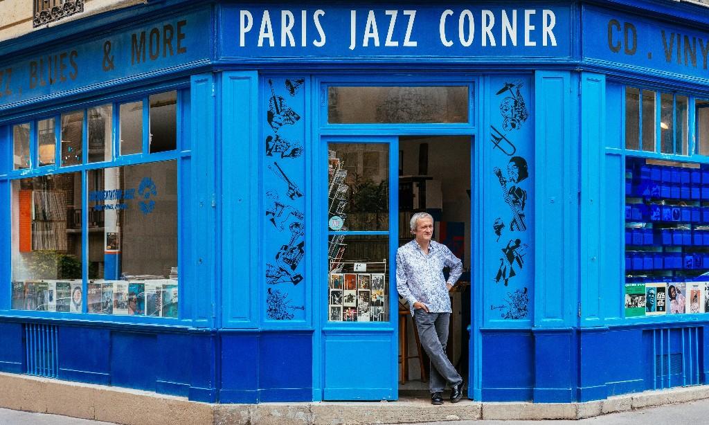 Unique Paris - Magazine cover
