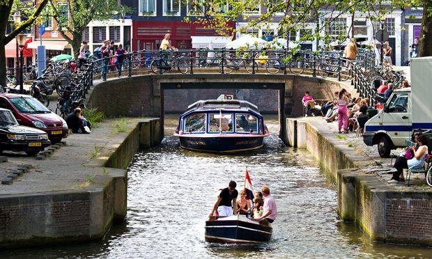 Амстердам  - Magazine cover