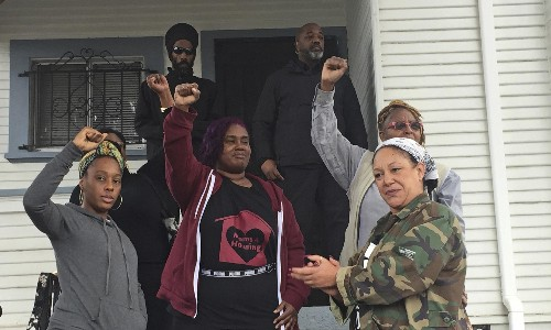 Mothers who occupied vacant Oakland house will be allowed to buy it