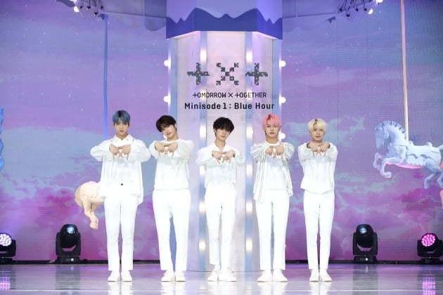 투모로우바이투게더, 美 빌보드 연말 차트 '소셜 50 아티스트' 7위…5계단 상승 | 텐아시아