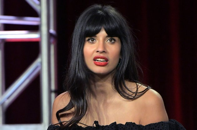 Jameela Jamil Is Just As Confused By These Zipper Jeans As We Are