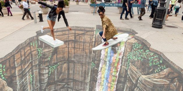 11 Mesmerizing 3D Chalk Art Masterpieces That Will Melt Your Brains