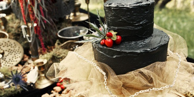 Friday The 13th Wedding Ideas That Are Hauntingly Chic | HuffPost Life