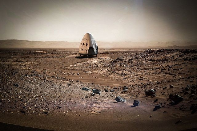 Elon Musk Says SpaceX Is Going To Mars By 2018