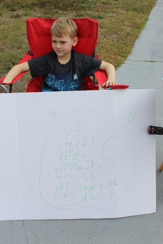 Little Boy Gives Away His Toys At Special 'Lemonade Stand' | HuffPost Life