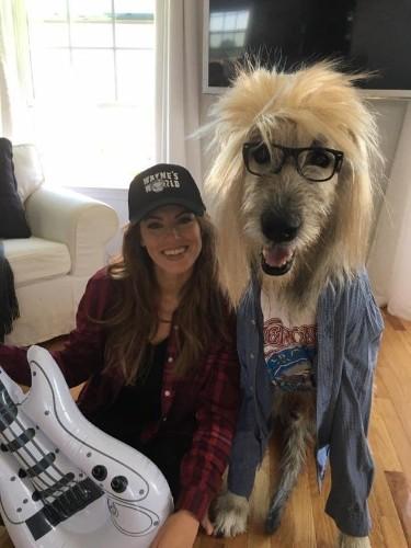 コメディ映画そっくり 仮装犬カレンのハロウィンコスチュームが可愛すぎる(画像)