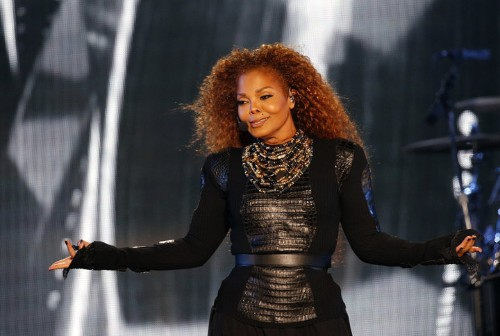 Janet Jackson Addresses Split And Says She's Resuming Tour